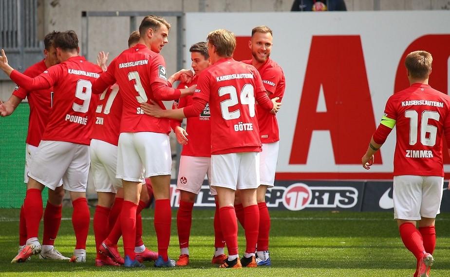 Der FCK feiert einen wichtigen und verdienten Derbysieg