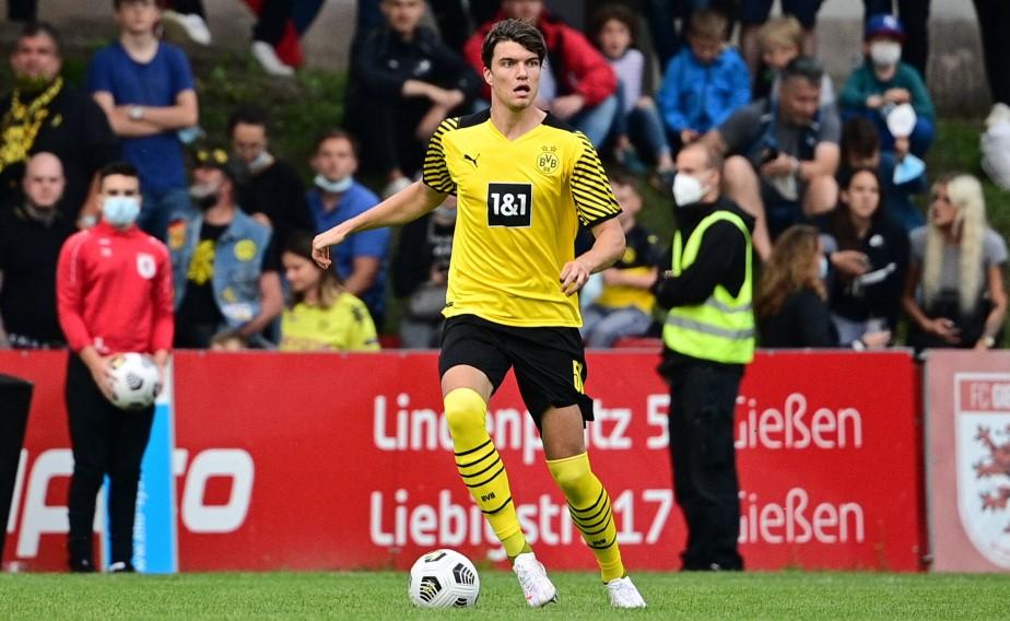 Der FCK verstärkt sich mit Innenverteidiger Maximilian Hippe